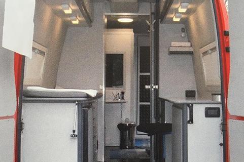 unità mobile per visite mediche